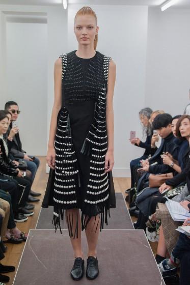 noir-kei-ninomiya-ready-to-wear-ss-2017-pfw-5