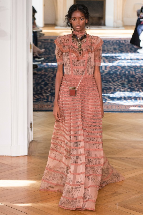 valentino-ready-to-wear-ss-2017-pfw-53