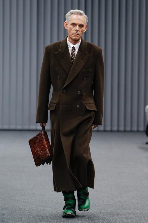 Balenciaga Menswear FW 2017 Paris3