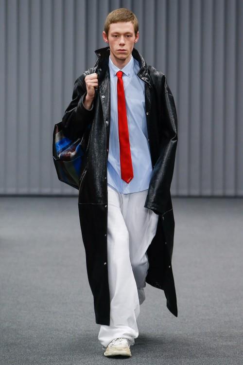 Balenciaga Menswear FW 2017 Paris37