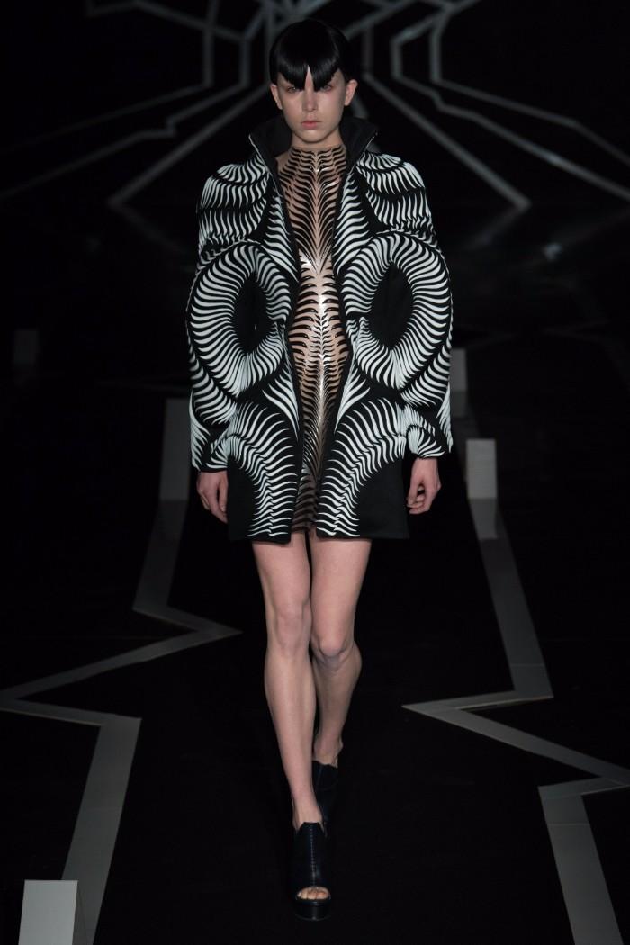Iris van Herpen Haute Couture SS 2017 Paris12