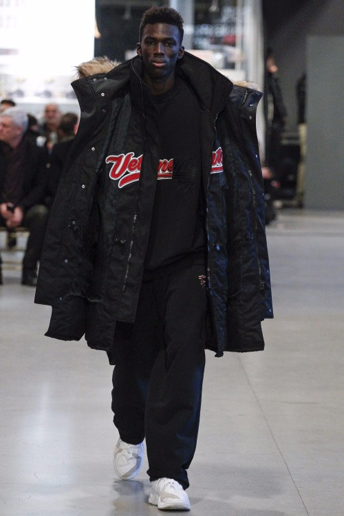 Vetements Menswear FW 2017 Paris22