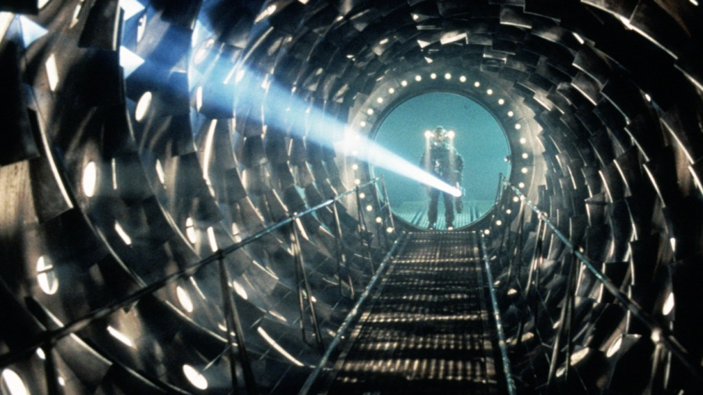 Event Horizon Movie Review – Traveling back in time