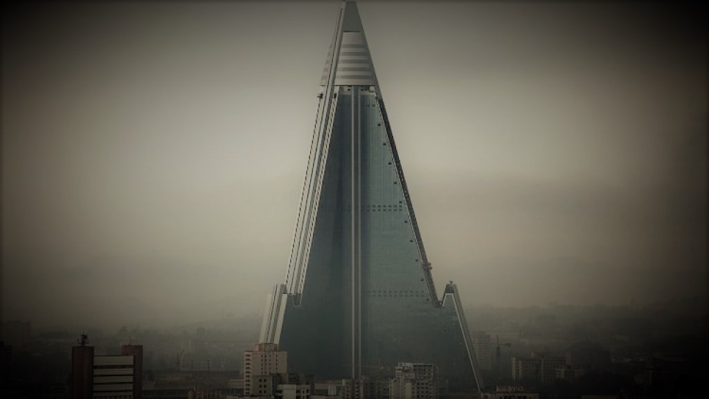 Ryugyong Hotel: Hotel of Doom