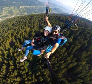 Apprentissage du pilotage d'un parapente avec Gravity-parapente Allevard