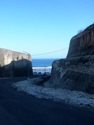 the huge limestone reveals the ocean