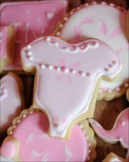 pink-baby-shower-cookies-10