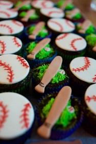 baseball cupcakes_4