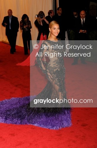 http://graylockphoto.com/store_files/cache/images/~Entertainment~20120507~Metropolitan_Museum_of_Art_Costume_Institute_Gala~_DSC7345.jpg