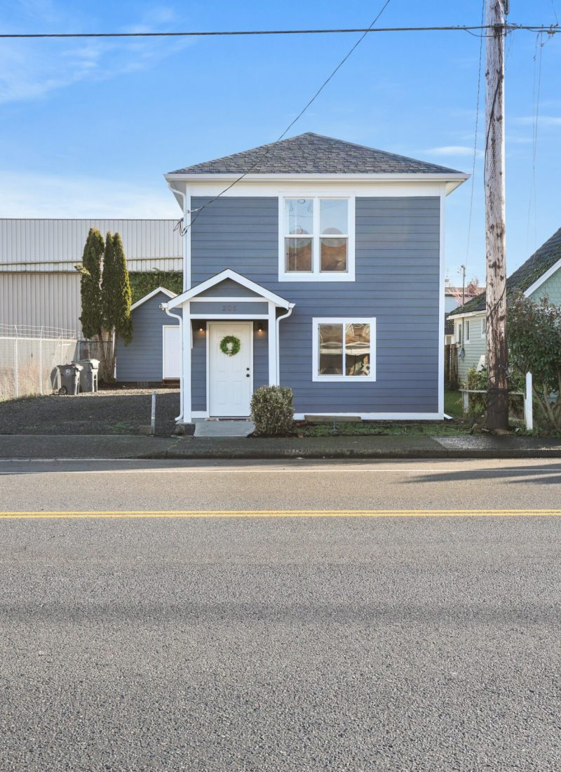 205 5th St Hoquiam