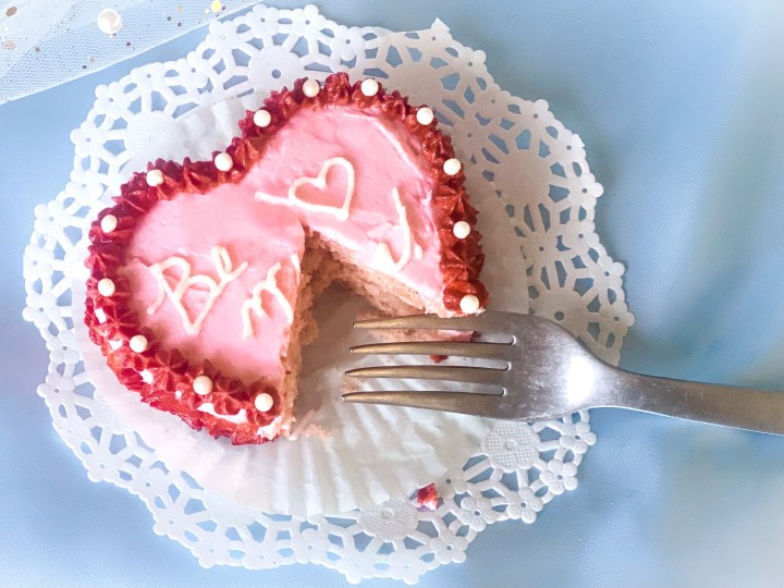 picture of a mini heart shaped cake