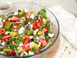 strawberry summer salad with balsamic poppy seed dressing