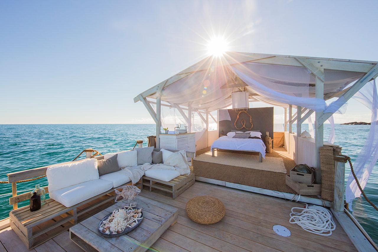 AirbnbGreatBarrierReeflistingsideshot