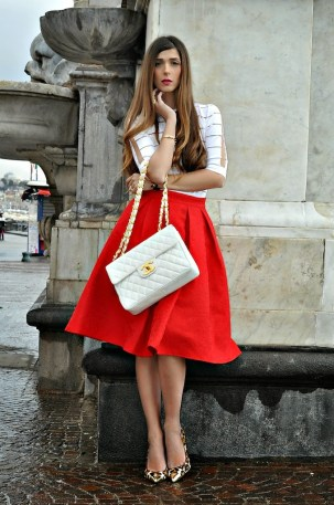 2red-midi-skirt-transparent-white-top