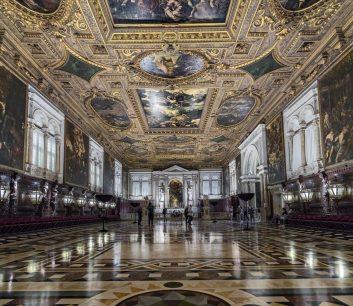 Scuola_Grande_di_San_Rocco_(Venice)_-_Il_Salone_Maggiore