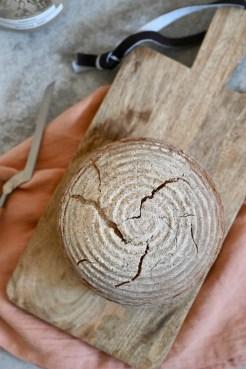 Knuspriges Roggenmischbrot mit Sauerteig