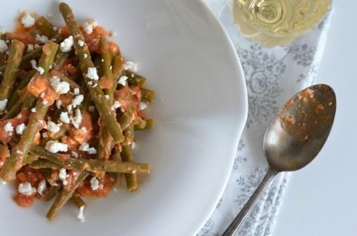 Bohnen in Tomaten-Feta-Sauce