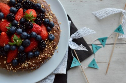 Nutella-Torte mit frischen Beeren