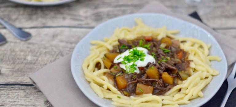 Kochen im Schnellkochtopf: Spätzle mit Rindfleisch & zweierlei Kürbis