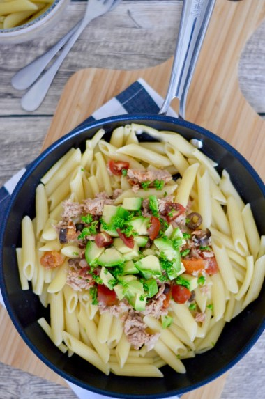 Happy Food: Pasta mit Thunfisch, Tomaten & Avocado