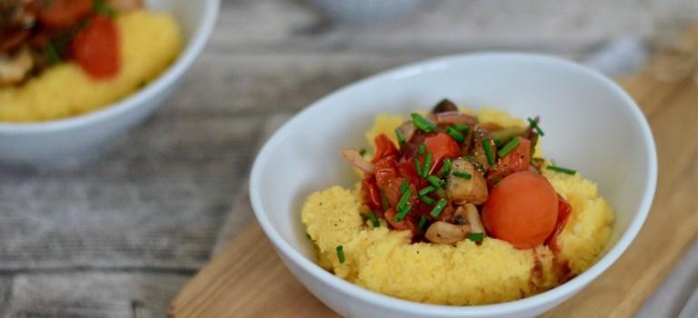 Vegetarisch Kochen: Polenta mit Balsamicopilzen & Tomaten