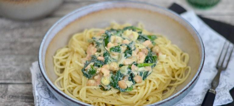 Happy Food: Spaghetti mit Lachs, Spinat & Kichererbsen