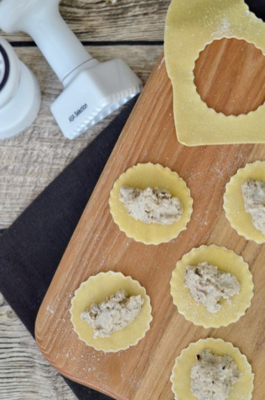 Ravioli mit Auberginen-Frischkäse-Füllung