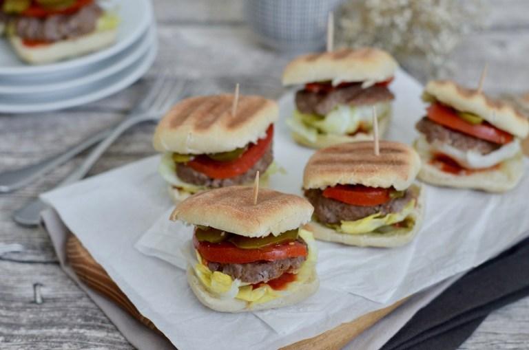 Leckere Mini-Burger