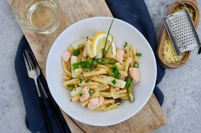 Prep&Cook Weekend Kitchen #15: One-Pot-Pasta mit Lachs & zweierlei Spargel