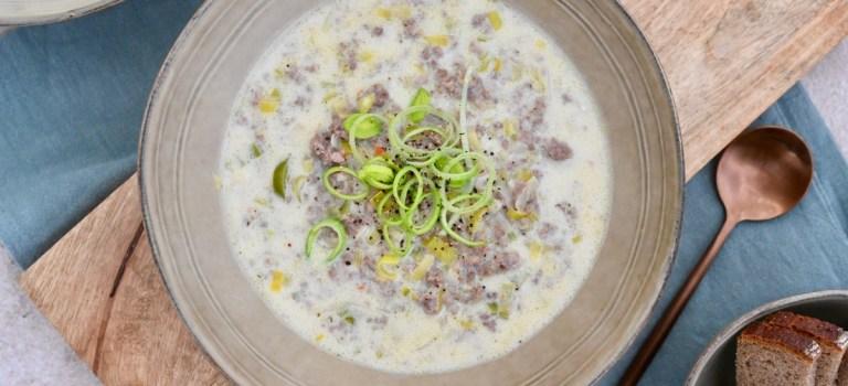 Mein Ostermenü – Vorspeise: Käse-Lauch-Suppe mit Hackfleisch