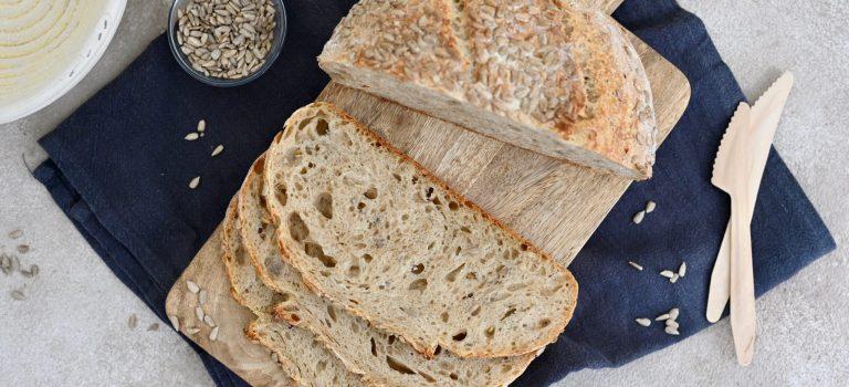 Dinkel-Emmer-Brot mit Sonnenblumenkernen (ohne Hefe)