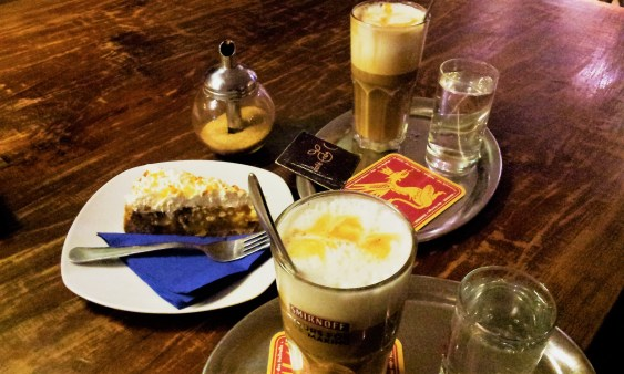 The Caffé Latte & Apple Pie (Apfelschnitte)