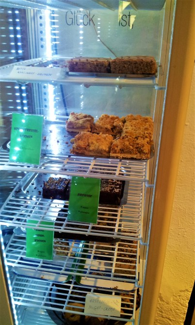 In the showcase there is plenty to choose from when it comes to desserts