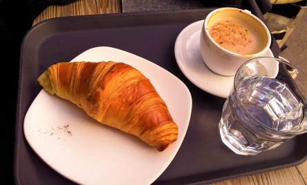 The croissant and my Lungo