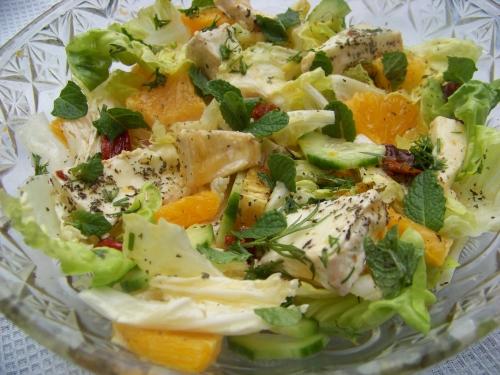 sałatka z pomarańczą