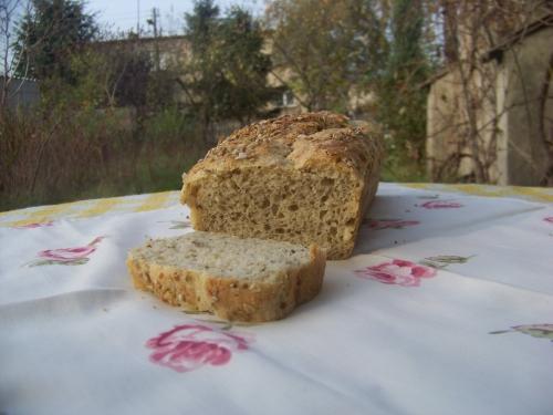 chlebek z ziarnami2