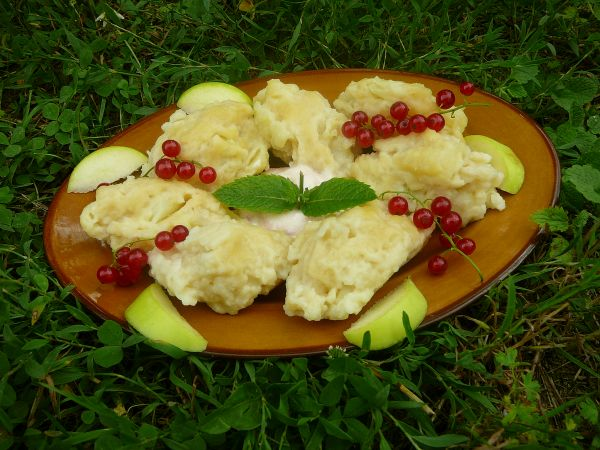 kluski z jabłkami 2