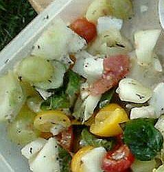 salatka sery-winogrona