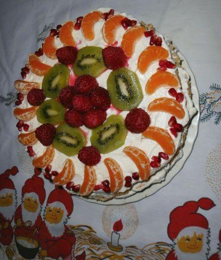 tort z masą jogurtowąa