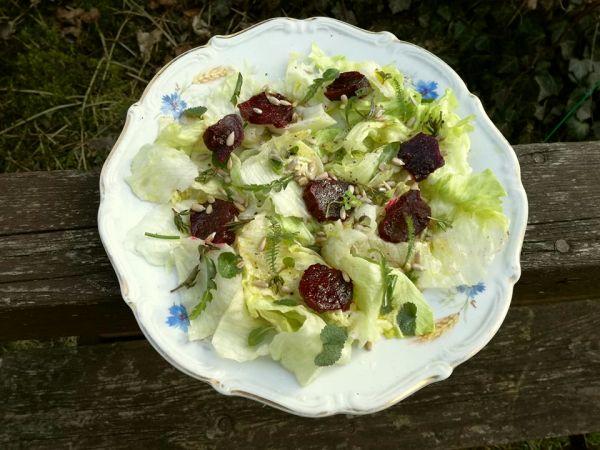 ogrodowa sałatka
