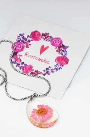 Fio com medalha resina flor rosa GPAC3134
