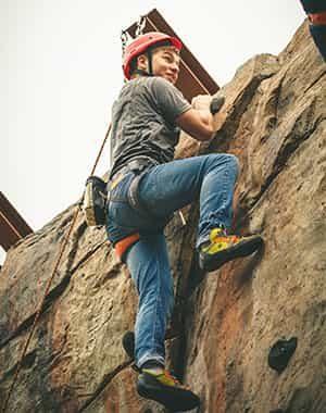 venturing-climbing-home-o2uow7vl6gh4efxzfy5nwjq7juw1rwt8fv55fa5y3c