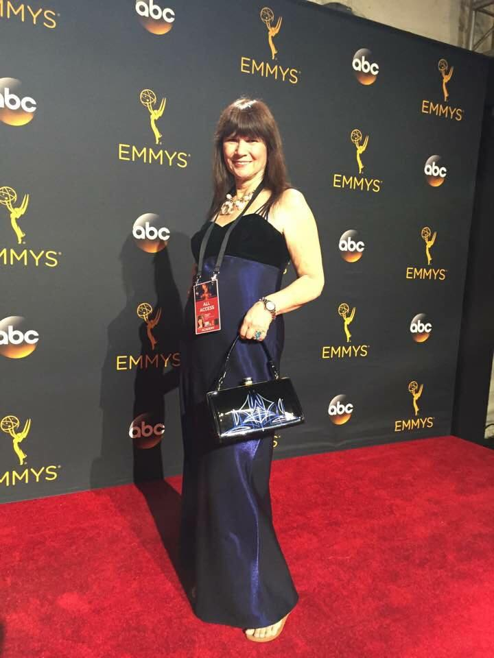 grease and grace, emmys 2016, television academy, hollywood, old hollywood, style, fashion, gatsby, rockabilly, 50s 40s, 30s, 20s, classy, purse, handbag, retro