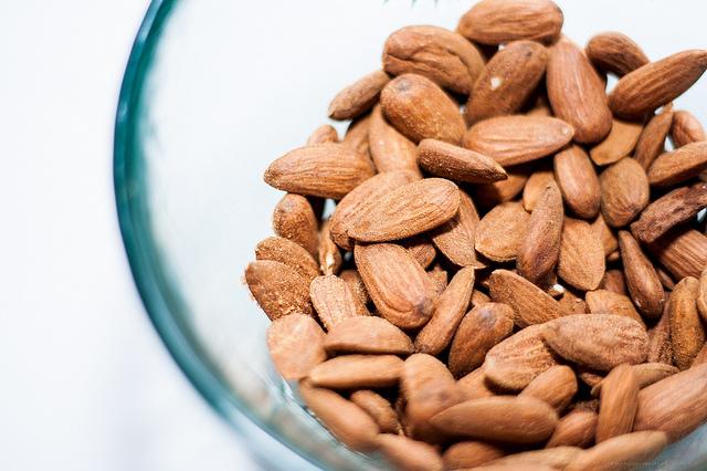Jana Voyvodich's favourite healthy snack: unsalted almonds. Copyright: Flickr/Levente Bodo