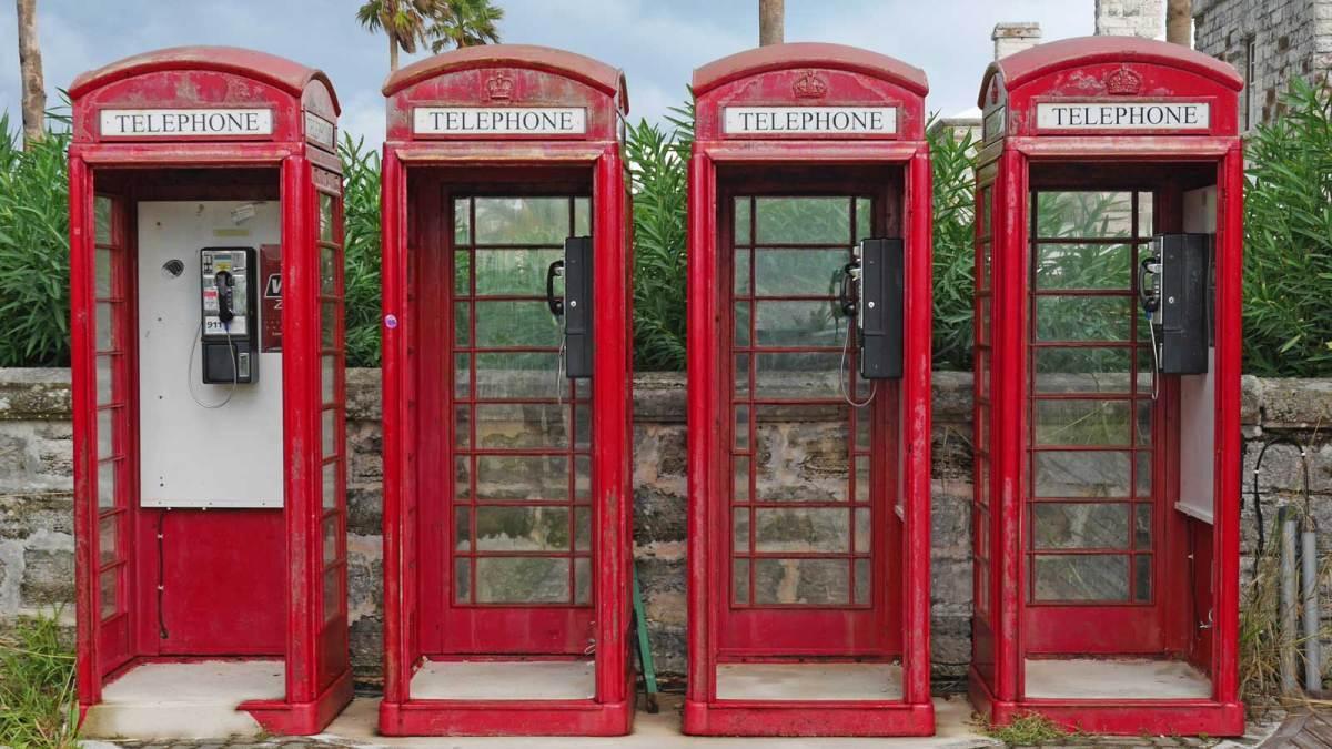 bermuda-red-phone-boxes