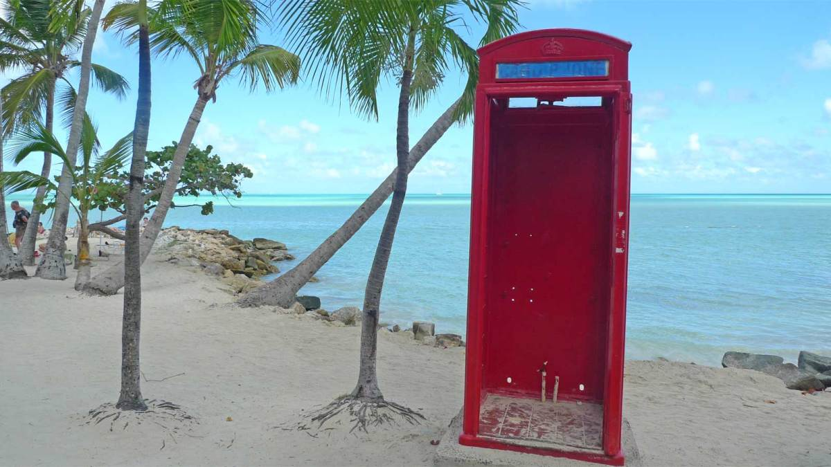 Antigua-phone-box