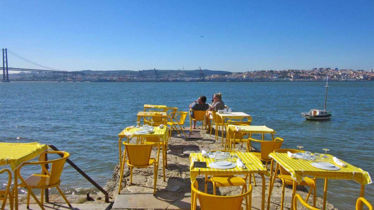 Lisbon_river-restaurant-1