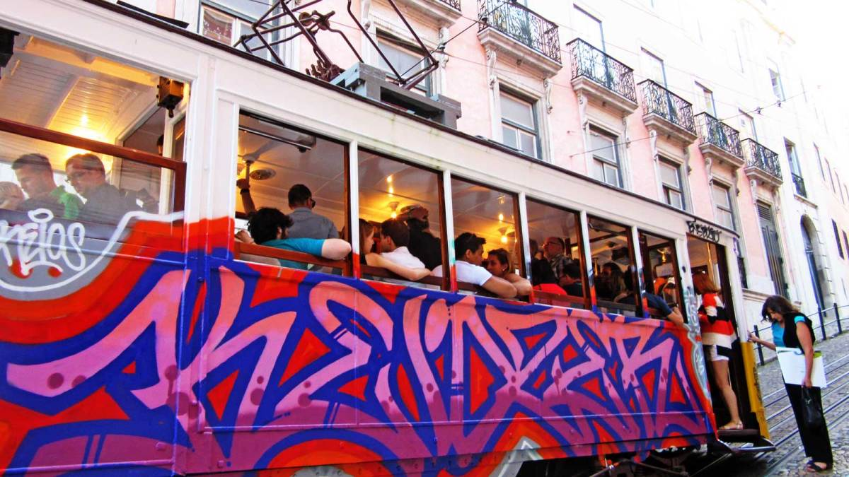 Lisbon_tram-1