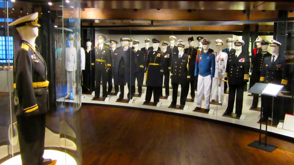 hamburg_maritime-museum-uniforms