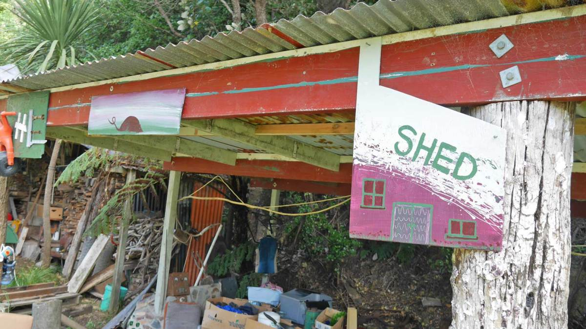 barrier_pottery-recycle-shed